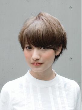 【アッシュをベースにした髪色】おススメのヘアスタイル10選!のサムネイル画像