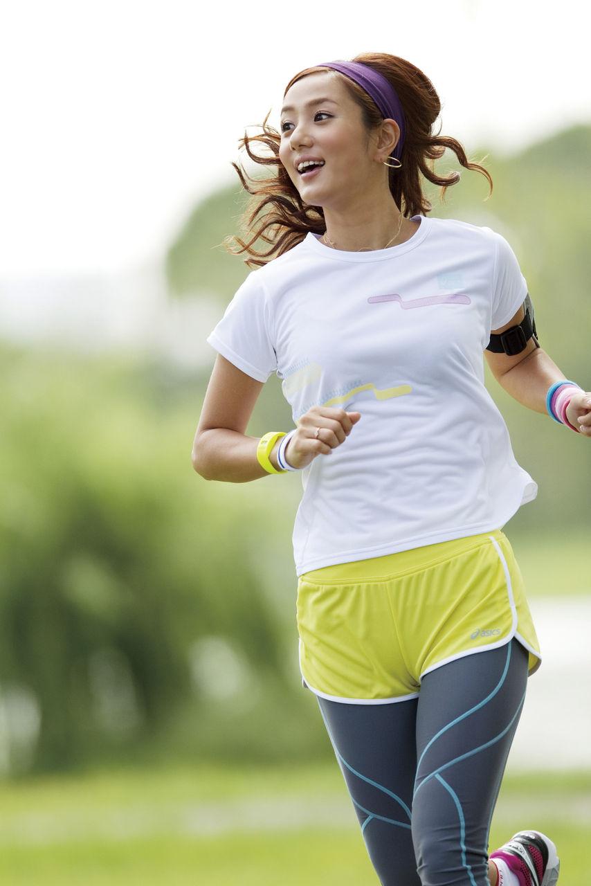【ブランド別】ランニングをお洒落に楽しむTシャツコーデ特集★のサムネイル画像