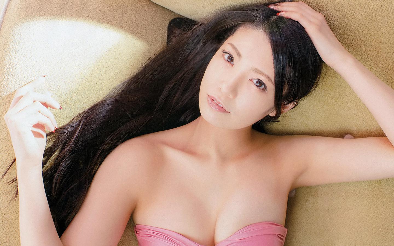 私服も大公開!元AKB48の人気メンバー・倉持明日香の画像まとめのサムネイル画像