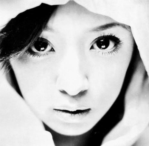 【衝撃!】浜崎あゆみの最新画像がスゴ過ぎる!「別人!?」との声ものサムネイル画像