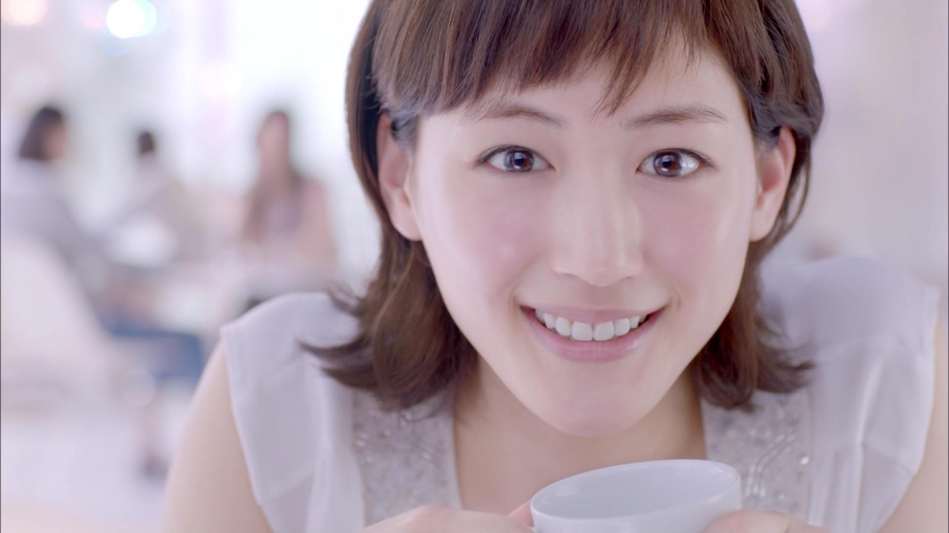【女性必見】国民的女優・綾瀬はるかの美肌の秘訣を紹介しますのサムネイル画像