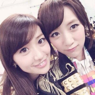 とっても仲良し?大島優子さんと高橋みなみさんの関係とは?のサムネイル画像