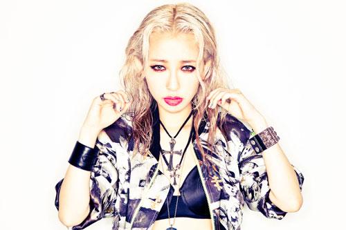 歌手の加藤ミリヤの髪型が可愛い!真似してみたい髪型ばかり!のサムネイル画像