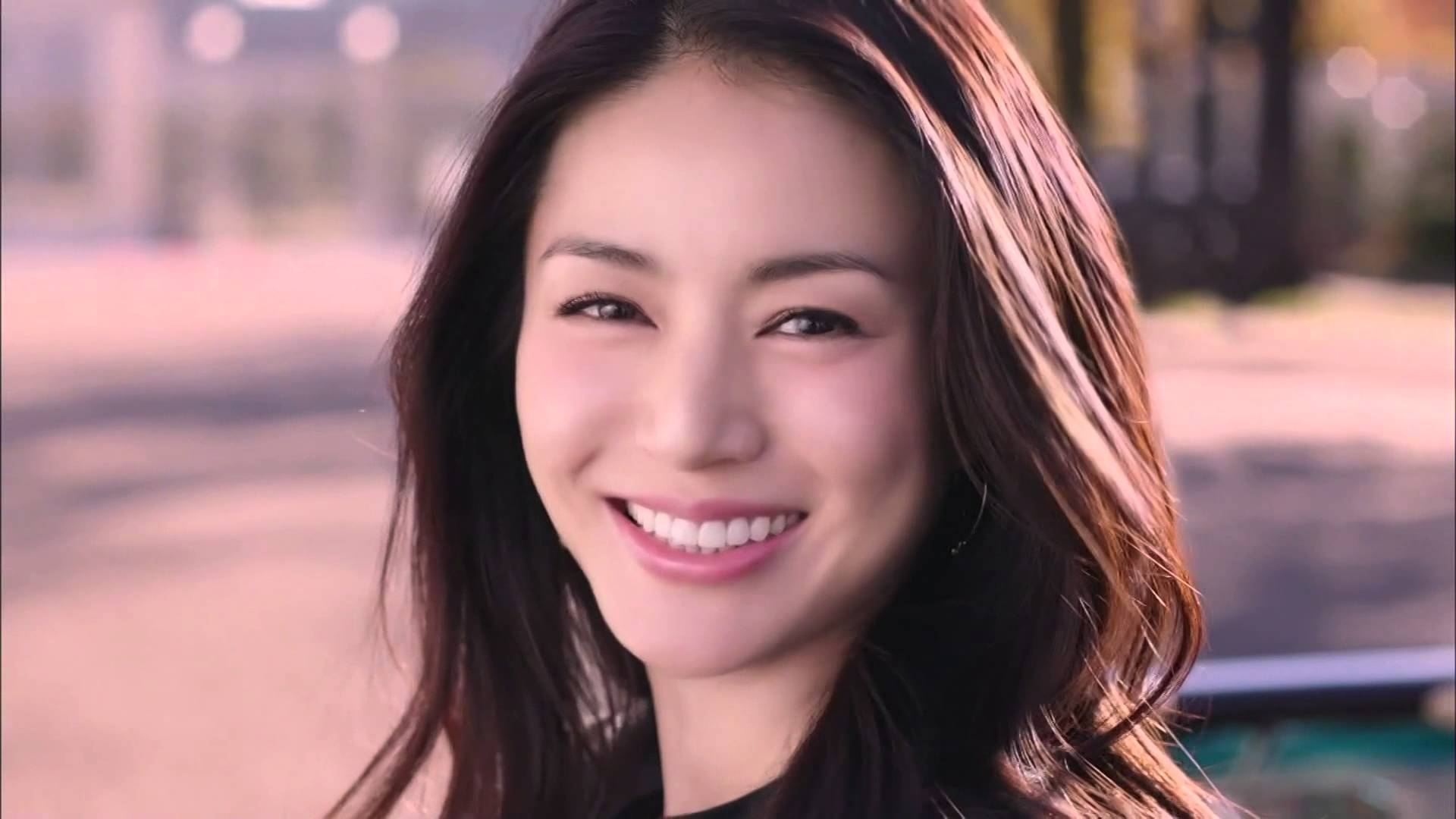【動画有り】癒し系・井川遥がフェロモン全開でお届けするCM特集のサムネイル画像