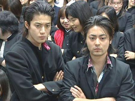 共演多数!小栗旬と山田孝之のイケメン俳優コンビが仲良しすぎる!のサムネイル画像