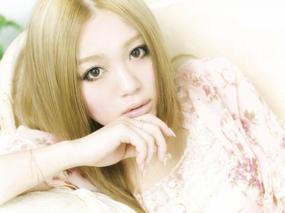 現代の歌姫!ファンも気になる西野カナさんの知られざる本名とは?のサムネイル画像