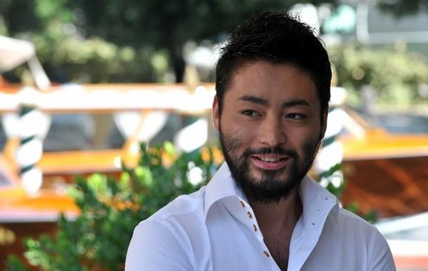カメレオン俳優!山田孝之の画像をたっぷりとご紹介します!のサムネイル画像