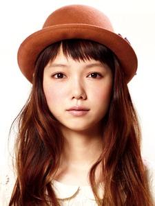 短い派?長い派?宮崎あおいさんのキュートな前髪スタイル特集!のサムネイル画像
