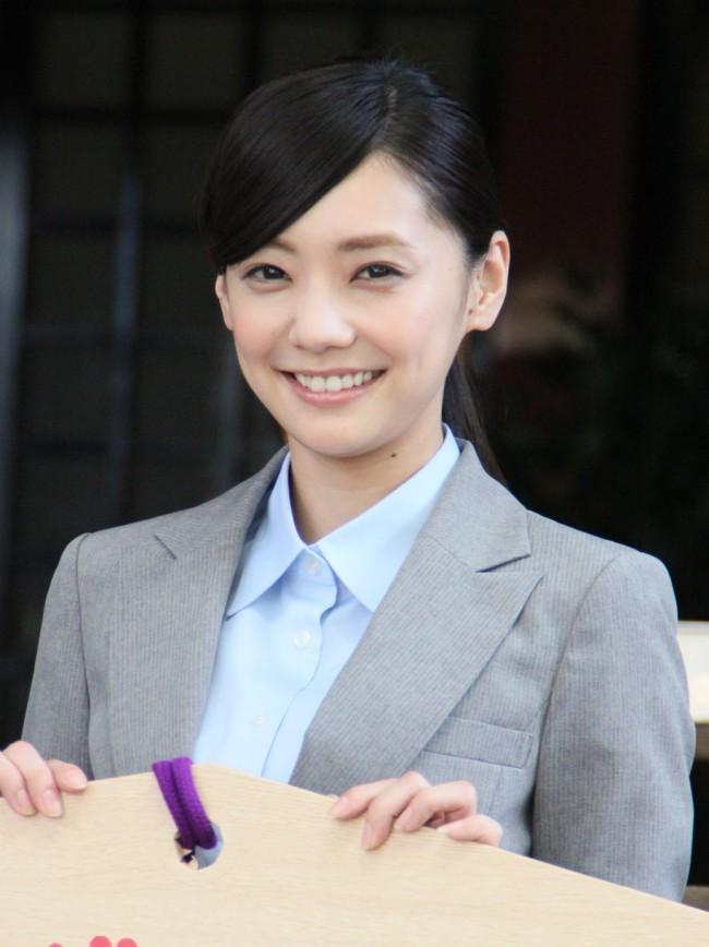 あの大物独身俳優と交際宣言をした女優、倉科カナの髪型画像集のサムネイル画像