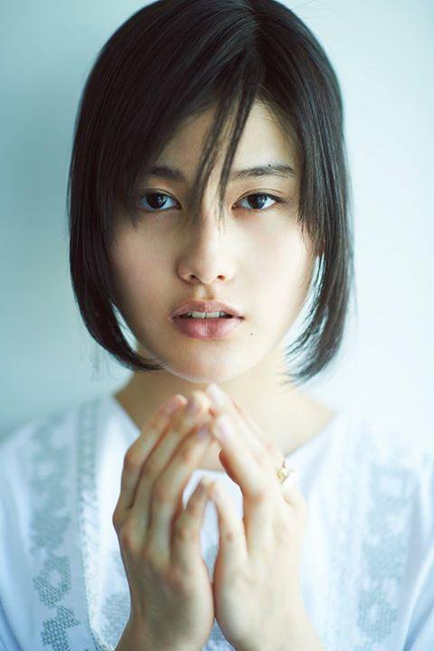 あまちゃんで一躍有名になった若手女優、橋本愛の髪型特集!のサムネイル画像