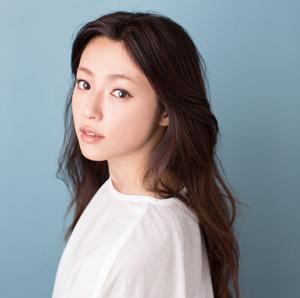 【女優・深田恭子】大人の女性の魅力満開!様々な画像のまとめのサムネイル画像