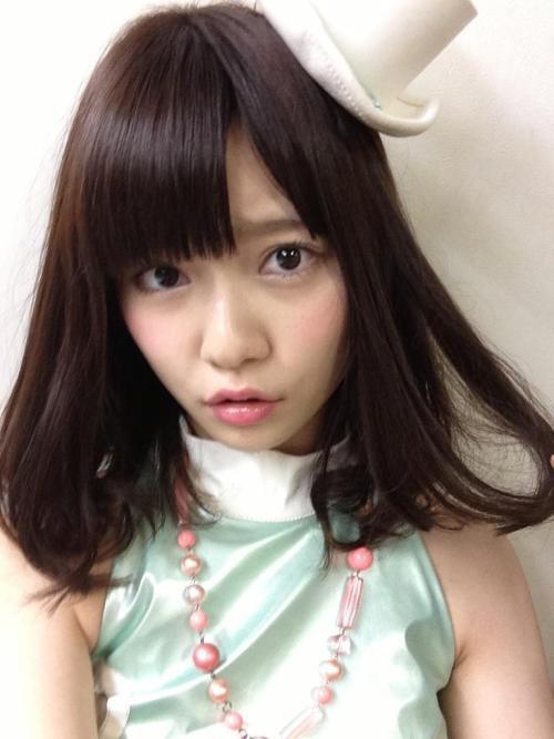 AKB48の島崎遥香がかわいい!ヘアスタイルや私服画像をご紹介!のサムネイル画像