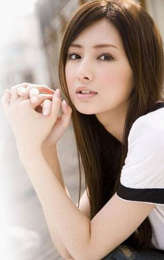 """""""なりたい女性""""ランキング上位の北川景子さんの私服のセンスは?のサムネイル画像"""