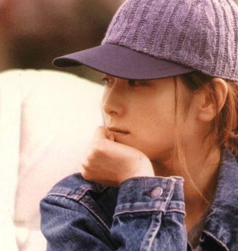 坂井泉水は水面が似合う美人!透明感を伴った素晴しい彼女の永遠!のサムネイル画像