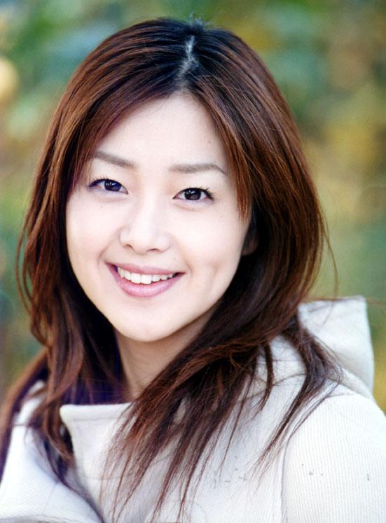 韓国系美人女優、苗木優子の透明感のある美しさに見とれよう!のサムネイル画像