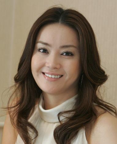 バリで挙式の観月ありさ、青山光司氏と結婚するまでの歴代彼氏のサムネイル画像