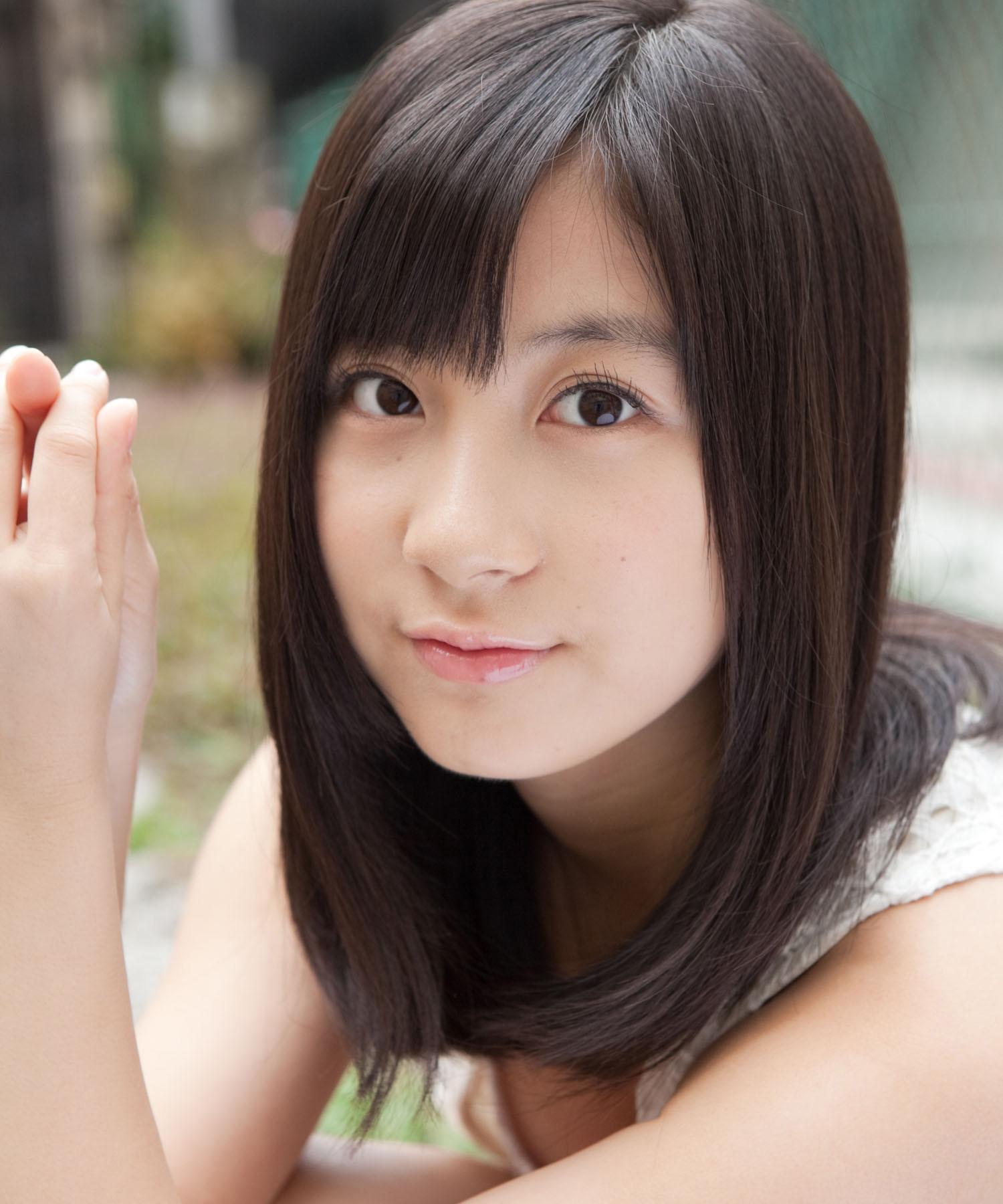 AKBや歌手として大人気だった小野恵令奈さんを画像で振り返りますのサムネイル画像