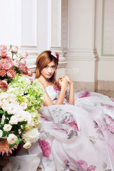 素敵な結婚式のお手伝い!ローラ・プロデュースのドレスでOK!のサムネイル画像