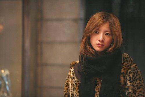 映画『蛇にピアス』吉高由里子の舌ピアスは本物?撮影前に大怪我?!のサムネイル画像
