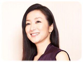 美しすぎる女優!鈴木京香の魅力的な画像をたっぷりとご紹介します!のサムネイル画像