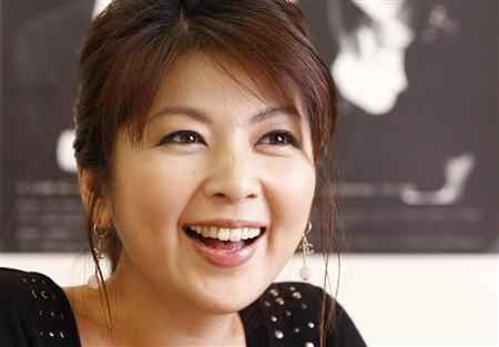 【画像で検証】現在も美しい飯島直子!!現在と過去を比較してみるのサムネイル画像