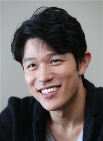 大人気俳優の鈴木亮平!男らしい魅力があふれる画像を大公開!のサムネイル画像