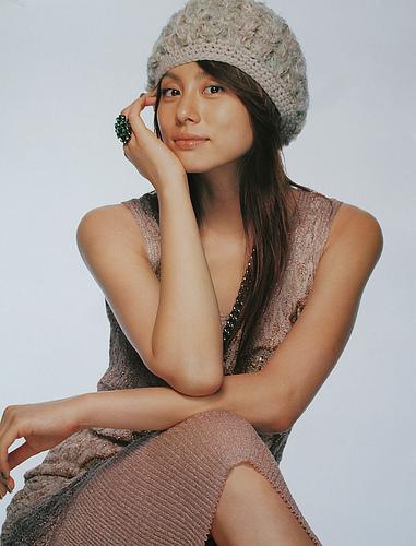 結婚したばかりの米倉涼子の性格が悪かった!?お高く止まっている?のサムネイル画像