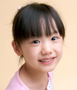 子役で大人気の芦田愛菜ちゃんは、礼儀も性格も大変いいです。のサムネイル画像