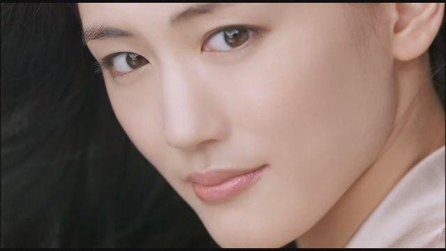 横顔が素敵!美人女優綾瀬はるかについてまとめてみました!のサムネイル画像