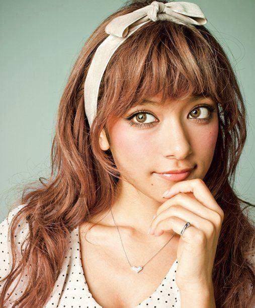 ハーフモデルで女優、歌手のローラについてまとめてみた!!のサムネイル画像
