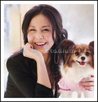 保護動物の強い味方!杉本彩さんが保護した犬・猫が幸せそう!のサムネイル画像