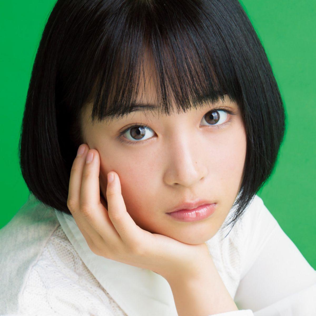 今大人気の女優・広瀬すずさんの初ロングヘアについてまとめます!のサムネイル画像