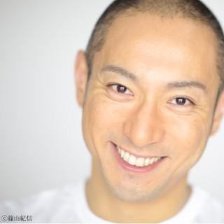 歌舞伎役者・海老蔵は祖父「五十年祭」で長男の初お目見えを果たす!のサムネイル画像