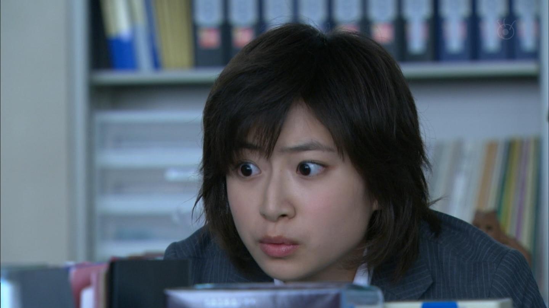 びっくりした表情の南沢奈央