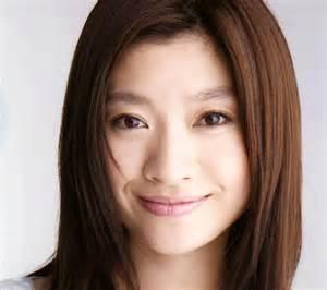 2児の母とは思えない!美しすぎる篠原涼子のダイエット方法とは?!のサムネイル画像
