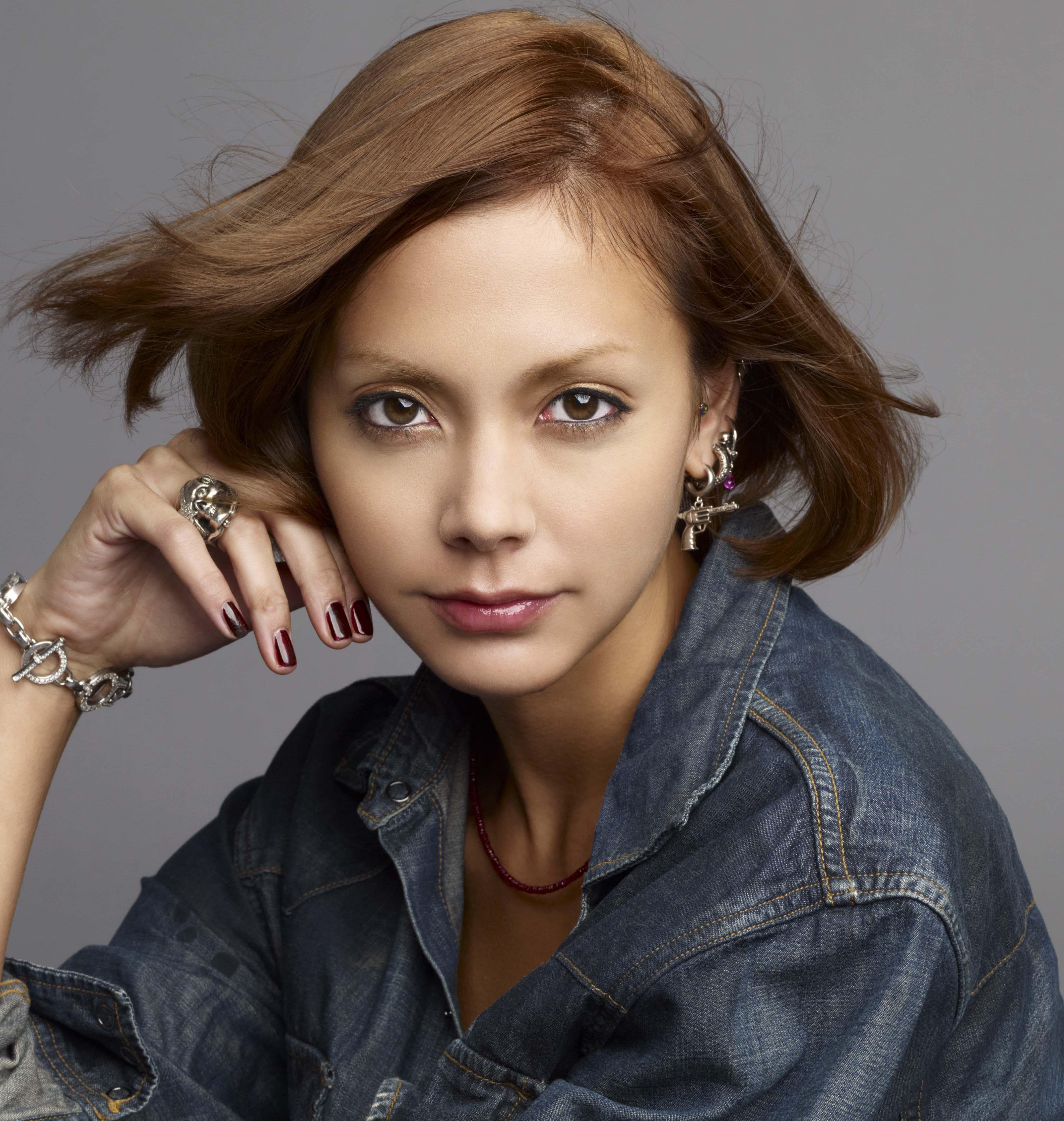 かっこいい女性の代表・土屋アンナさんのダイエット方法を紹介しますのサムネイル画像