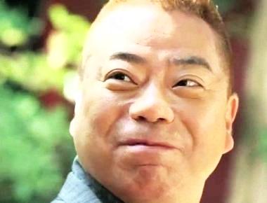 出川哲朗の奥さんは「存在しない」!?仲間も知らない奥さんとの関係のサムネイル画像