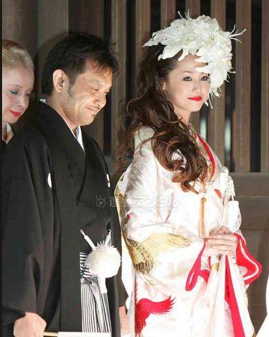 沢尻エリカさんの結婚式は、明治神宮で神前式。綺麗でした。のサムネイル画像