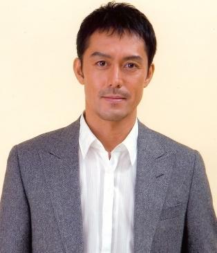 濃い顔が魅力的な阿部寛の2014年に出演したCM10選!のサムネイル画像