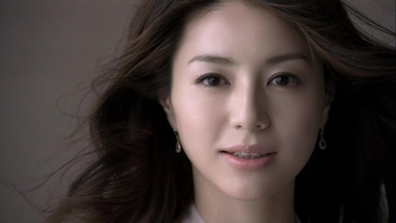 憧れの井川遥さんのセレブファッションについてまとめてみました!のサムネイル画像