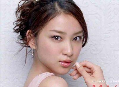 必見! 武井咲や堀北真希など、人気女性芸能人のすっぴん大公開!のサムネイル画像