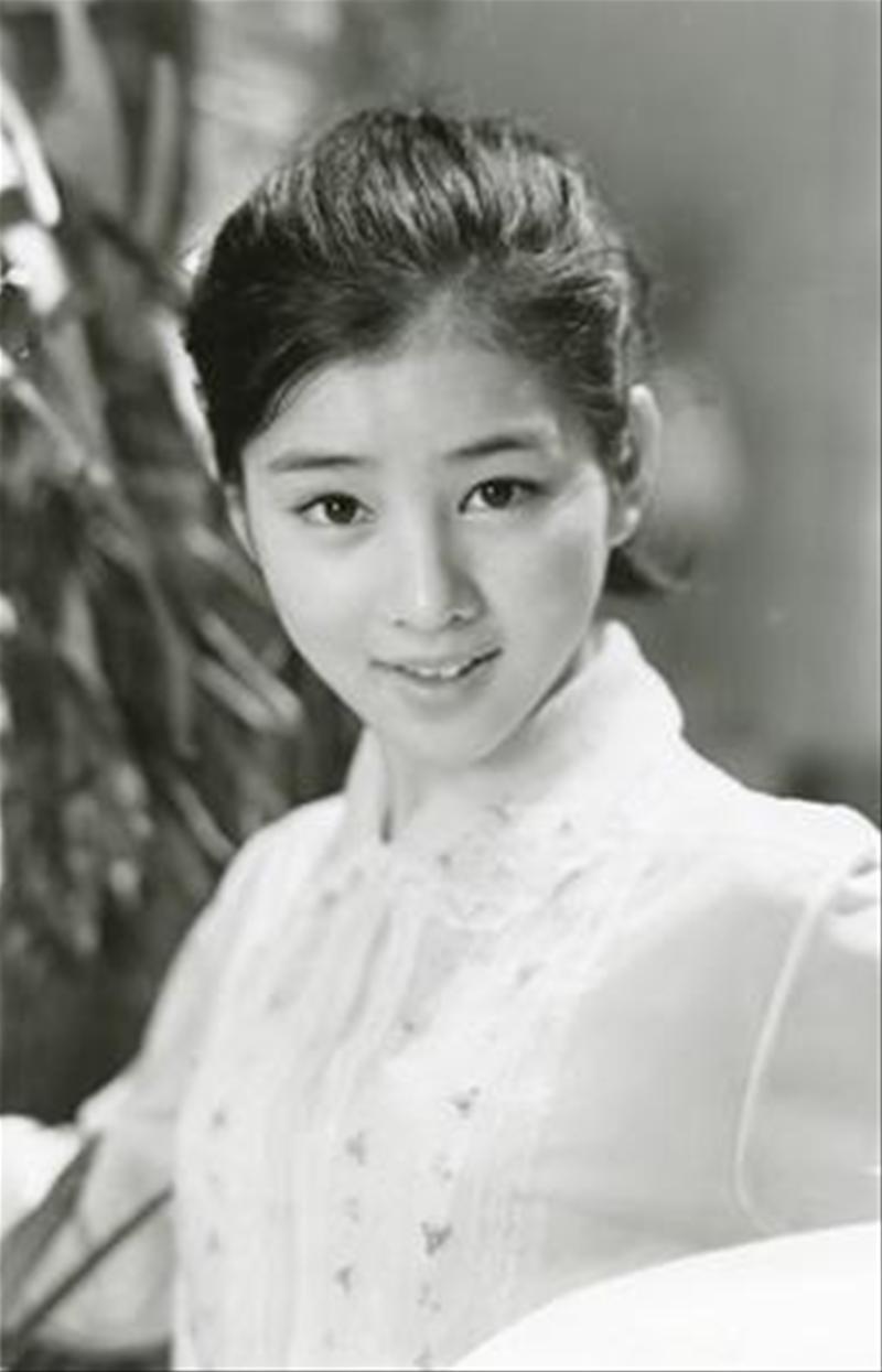 大スター:吉永小百合さんの「恋」と「結婚」の伝説を探る!!のサムネイル画像