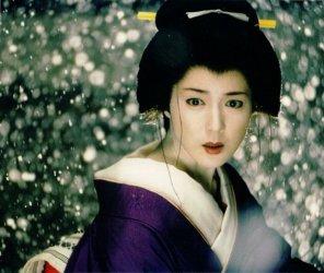 若村麻由美は凄い妖艶な美人です、弟が有名人?調べてみましたのサムネイル画像