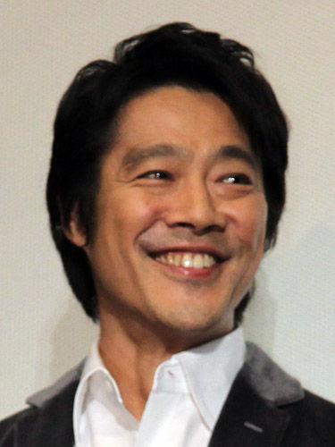 独身最後のイケメン俳優・堤真一がついに結婚!その妻とは?のサムネイル画像