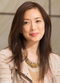 美人女優・若村麻由美の亡き夫、宗教法人会長が残した遺産とは?のサムネイル画像