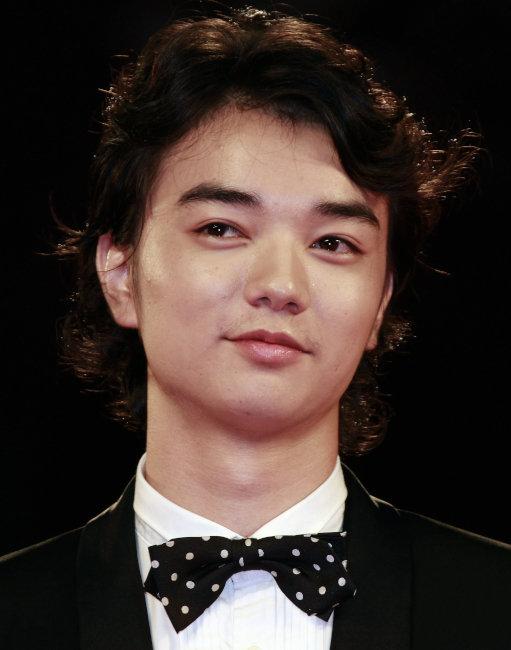 【俳優】染谷将太は結婚していた!?結婚相手はあの女優!?のサムネイル画像