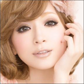 歌姫・浜崎あゆみの目はやっぱり整形?!劣化が止まらない!のサムネイル画像