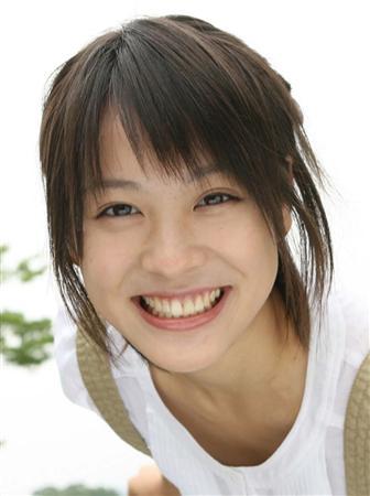 【女優】北乃きいの声がガラガラ!?原因は声の病気だった!?のサムネイル画像