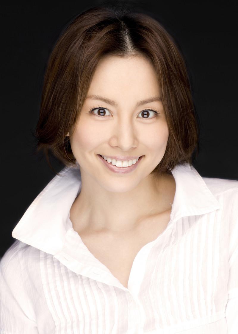 米倉涼子の抜群のスタイル、美脚の維持とダイエット方法とは?のサムネイル画像