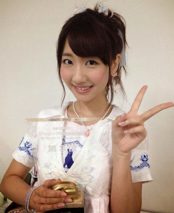 AKB48の大人気メンバー柏木由紀!楽曲動画を盛りだくさんでご紹介!のサムネイル画像